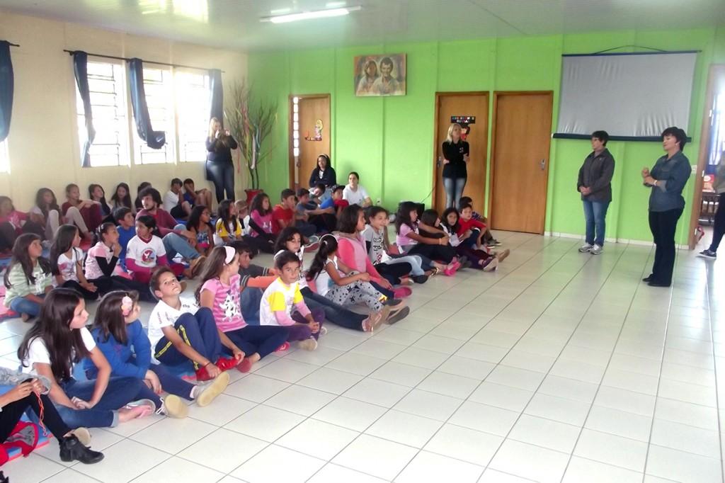 SESCAP-PR realiza ações alusivas ao Dia das Crianças