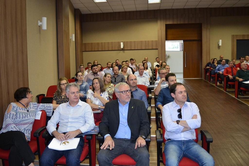 Kalinke participa de workshop sobre reforma trabalhista em Francisco Beltrão