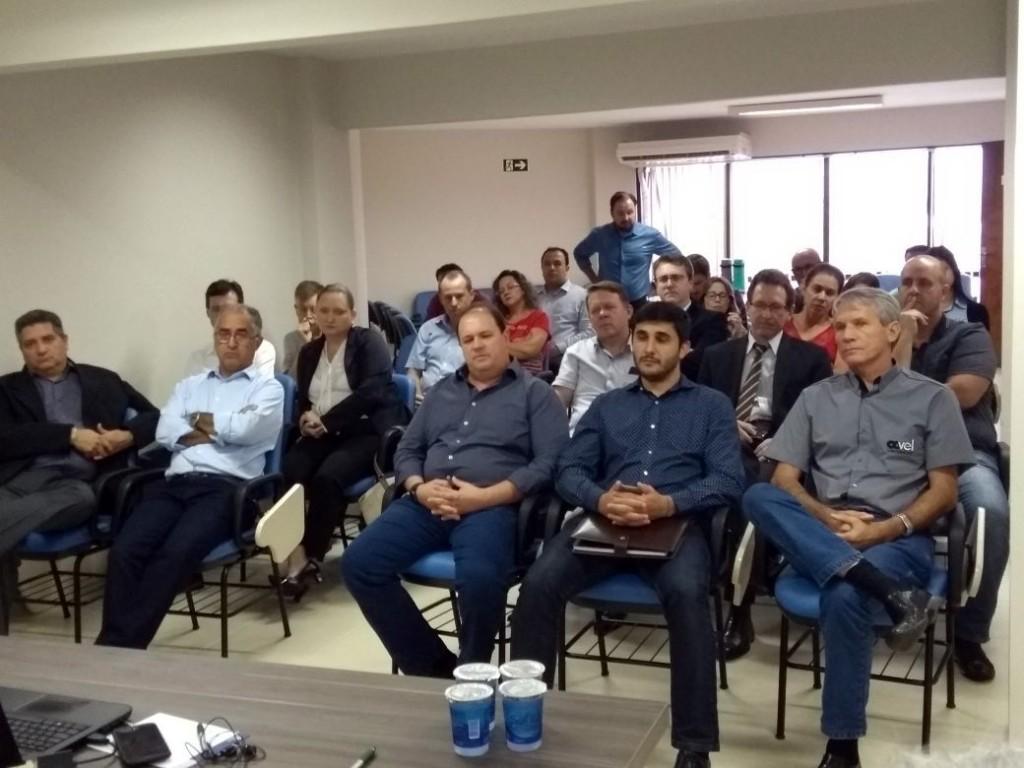 Empresários se mobilizam contra alteração no cálculo do ISS Fixo em Cascavel