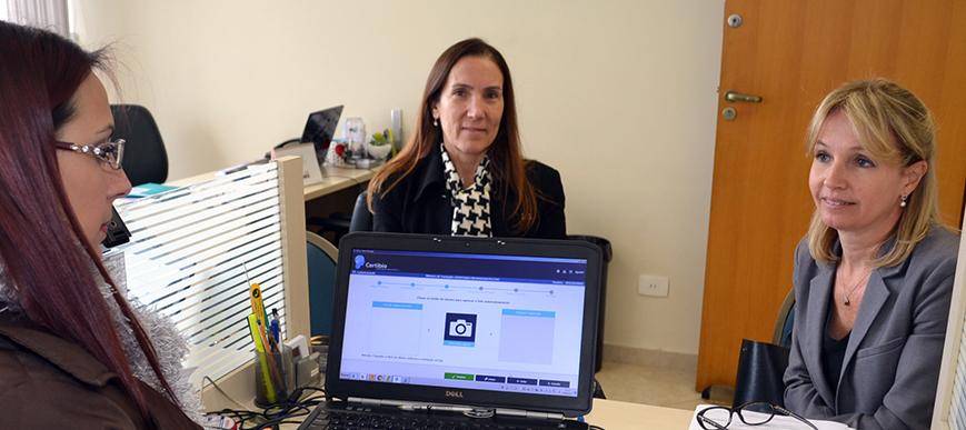Dotti & Advogados Associados adquire certificado digital no SESCAP-PR