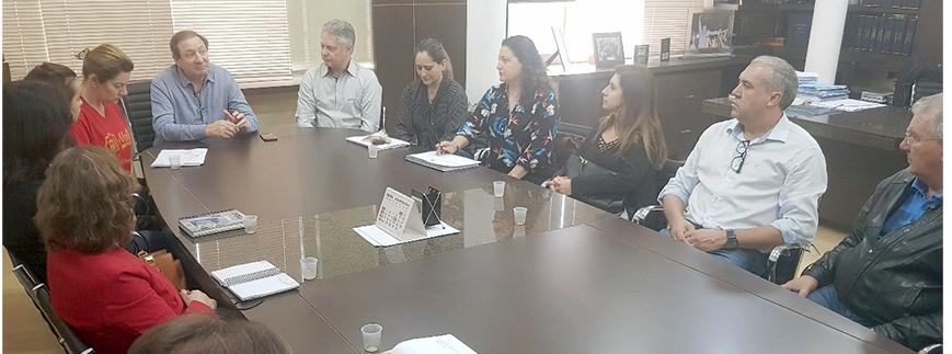 Diretores do SESCAP-PR participam de reunião com o prefeito de Pato Branco
