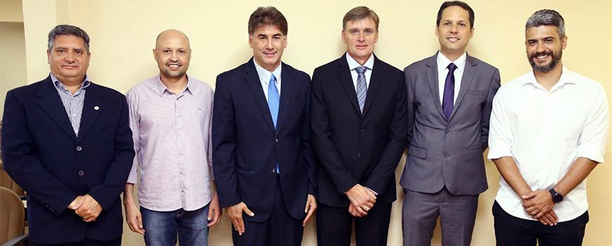 Diretores do SESCAP-PR participam da posse de delegado da Receita em Cascavel