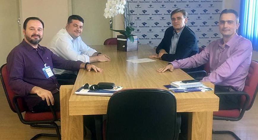 Diretor do SESCAP-PR participa de reunião na Receita Federal em Cascavel