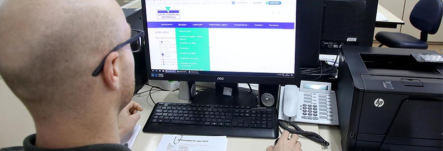 Registro de empresas passa a ser exclusivamente digital no Paraná