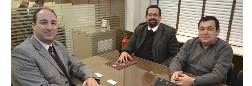 Integrantes da Câmara de Perícias do SESCAP-PR se reúnem com presidente da AATPR
