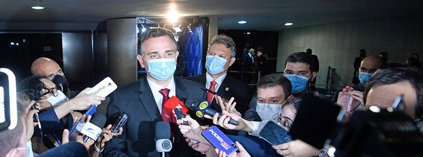 Rodrigo Pacheco quer definir pauta econômica com Arthur Lira e Bolsonaro