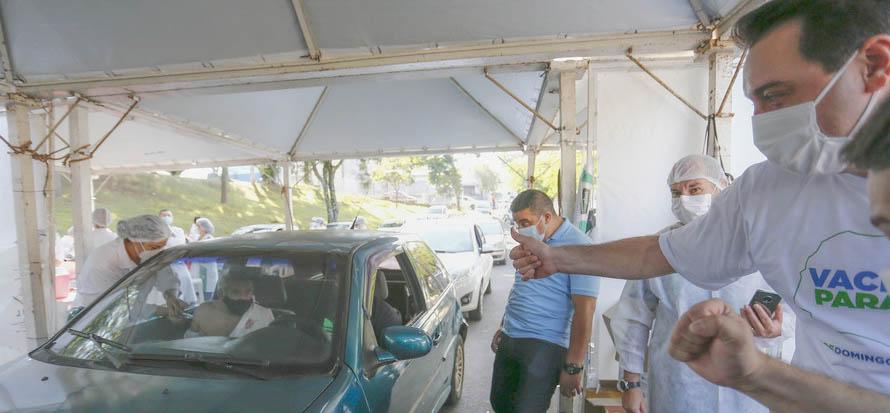 Municípios do Paraná aderem à vacinação de domingo a domingo