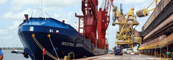 Portos do Paraná tiveram melhor semestre da história em movimentação de cargas