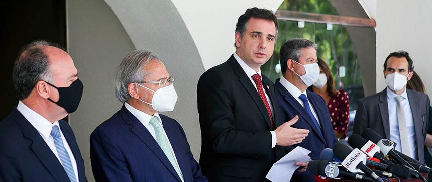 Lira e Pacheco propõem limite de R$ 40 bilhões para pagamento de precatórios no ano que vem